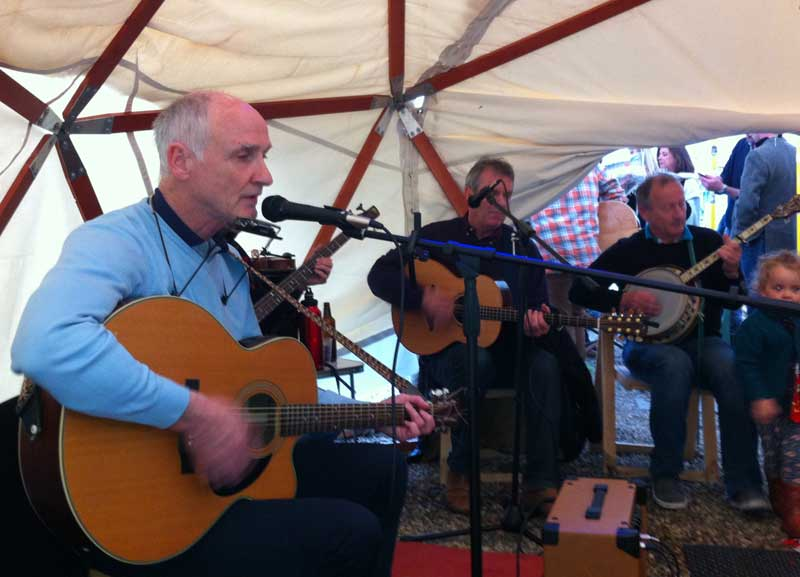 Folk in the Garden 2015